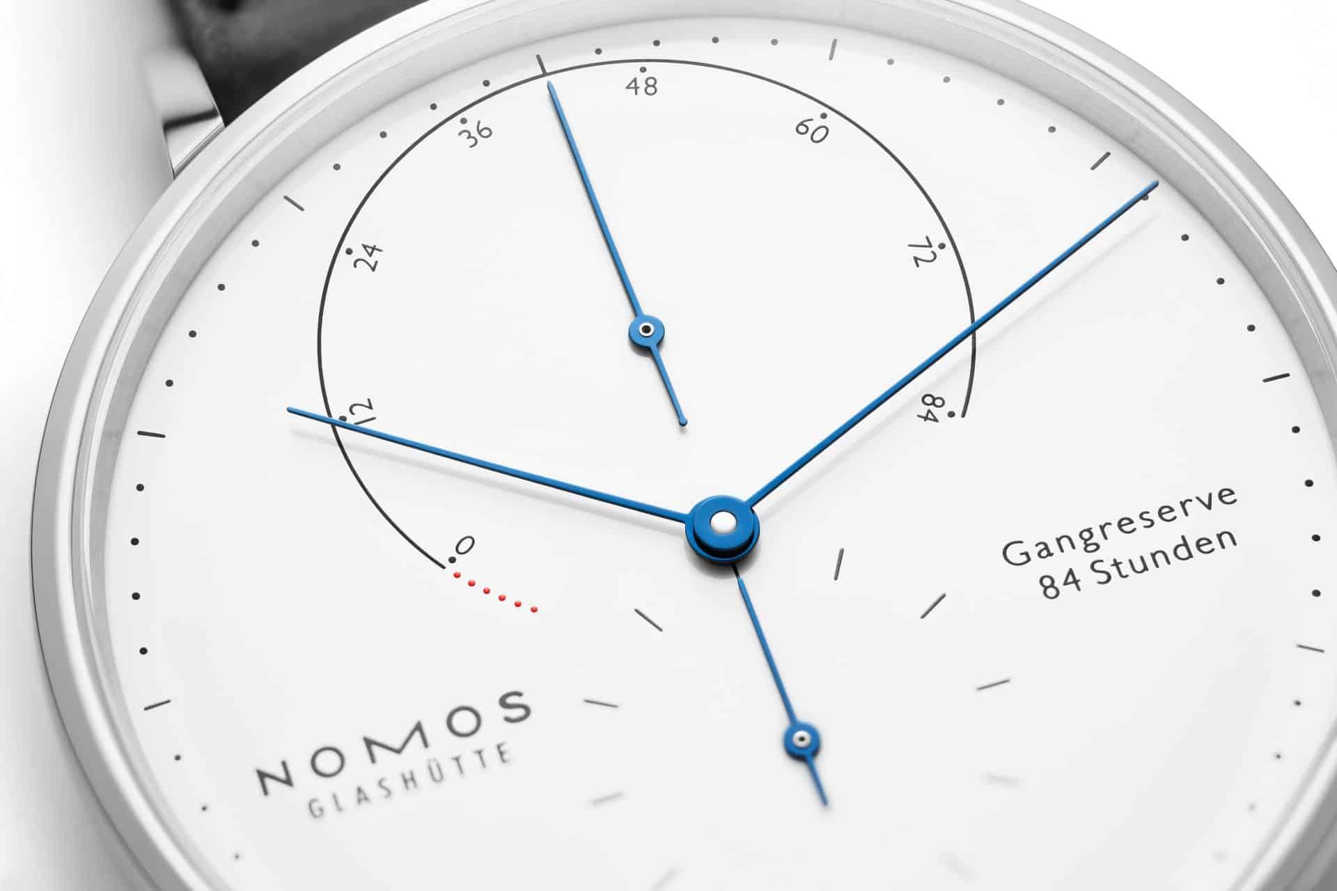 Nomos-Glashütte-Lambda-Edelstahl-Weiß-Gangreserveanzeige
