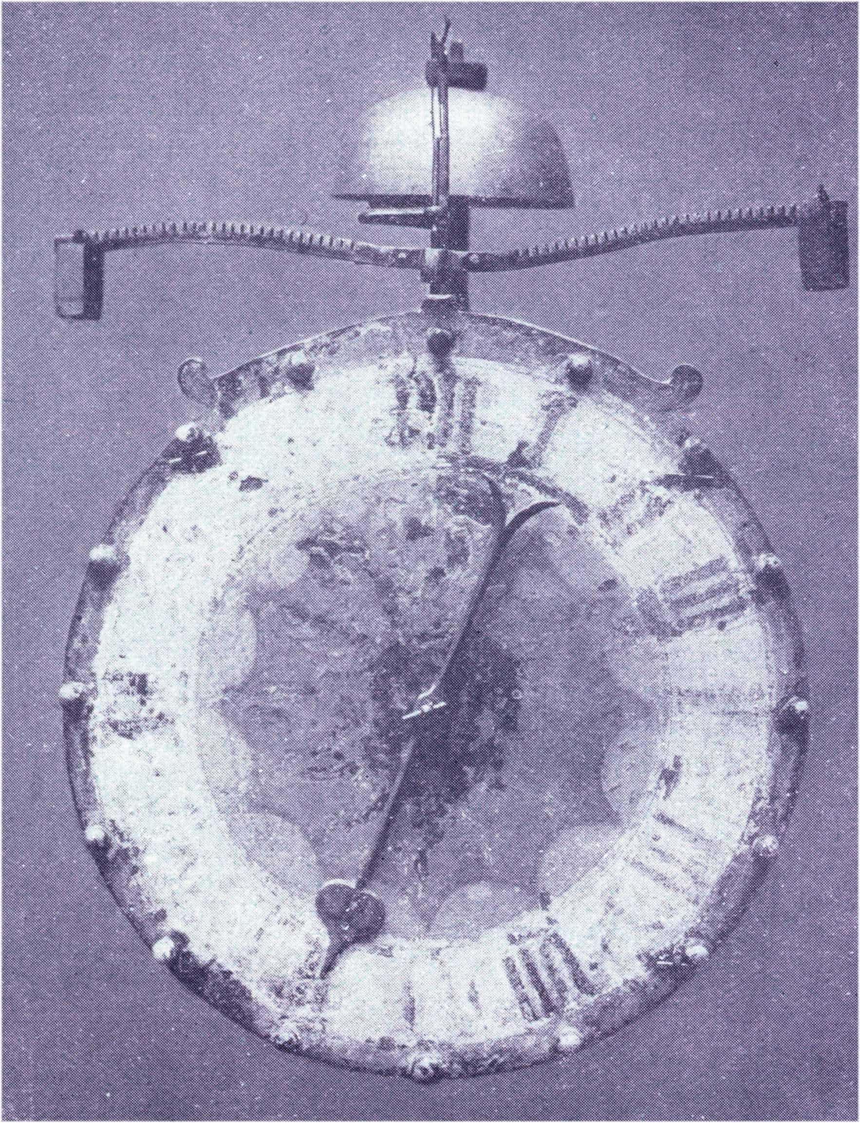 Alte Nürnberger Uhr mit Waagbalken (Foliot) und einem Stundenschlagwerk