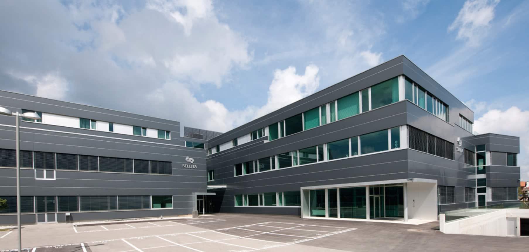 Die  Sellita Produkltionsstätte in Le Crêt-du-Locle, einem Stadtteil von La Chaux-de-Fonds
