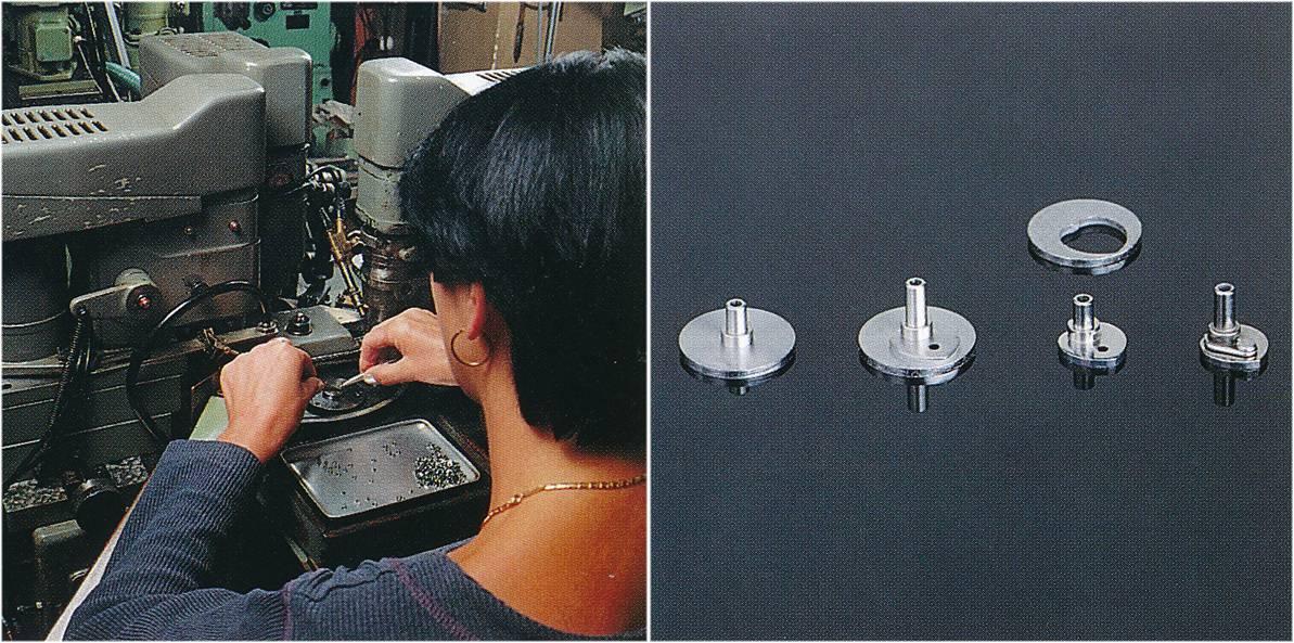 Herstellung-von-Nullstellherzen-fuer-Chronographen-in-verschiedenen-Etappen im Jahr 1960