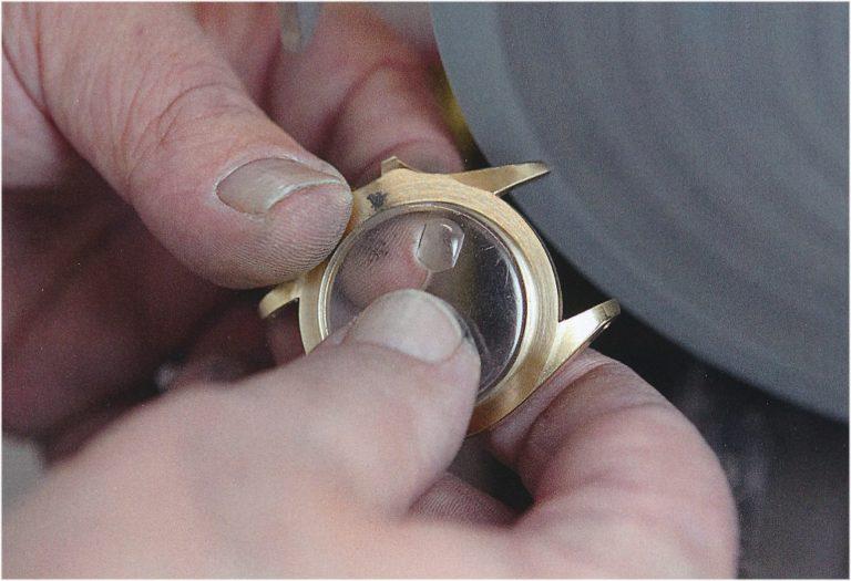 Aufarbeitung eines goldenen Rolex Oyster Gehäuse