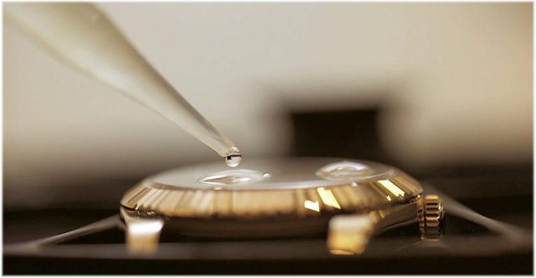 Rolex Kundendienst Kontrolle der Wasserdichtigkeit eines Oyster-Gehäuses