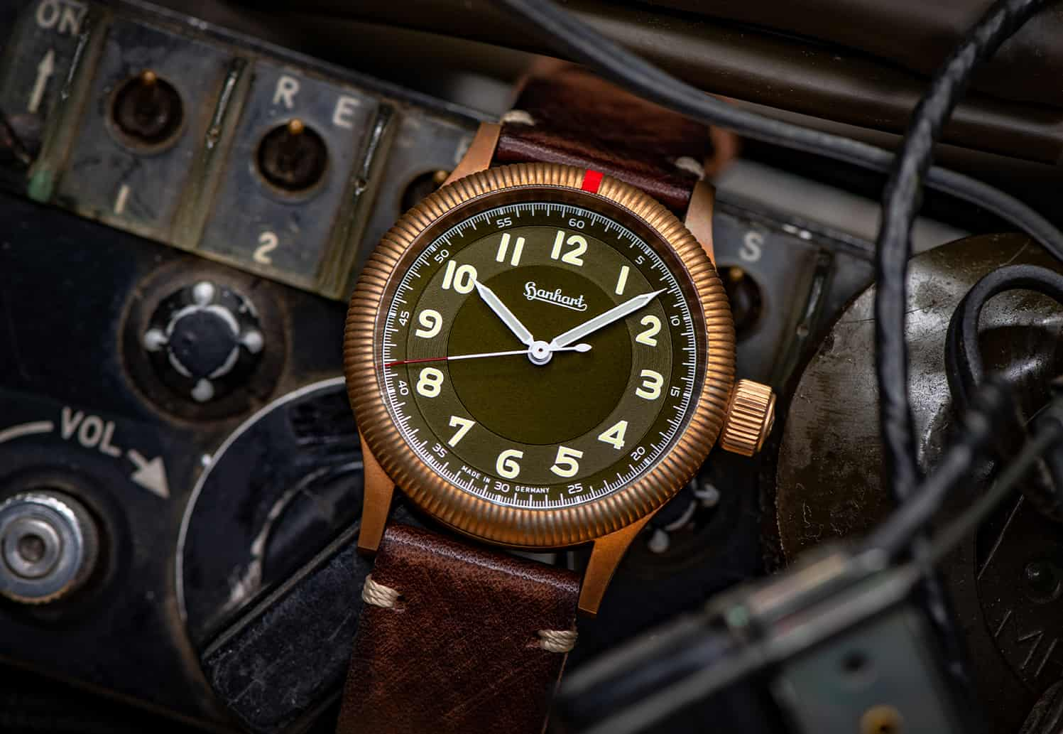 hanhart-pioneer-one-bronze-limited-edition-mood