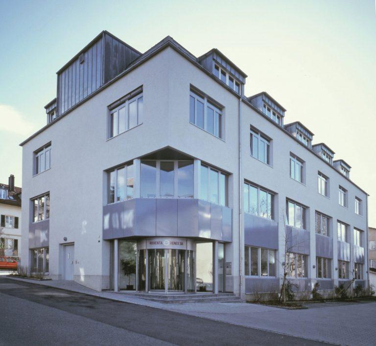 Private Label Roventa Henex Gebäude in Biel im Jahr 1994