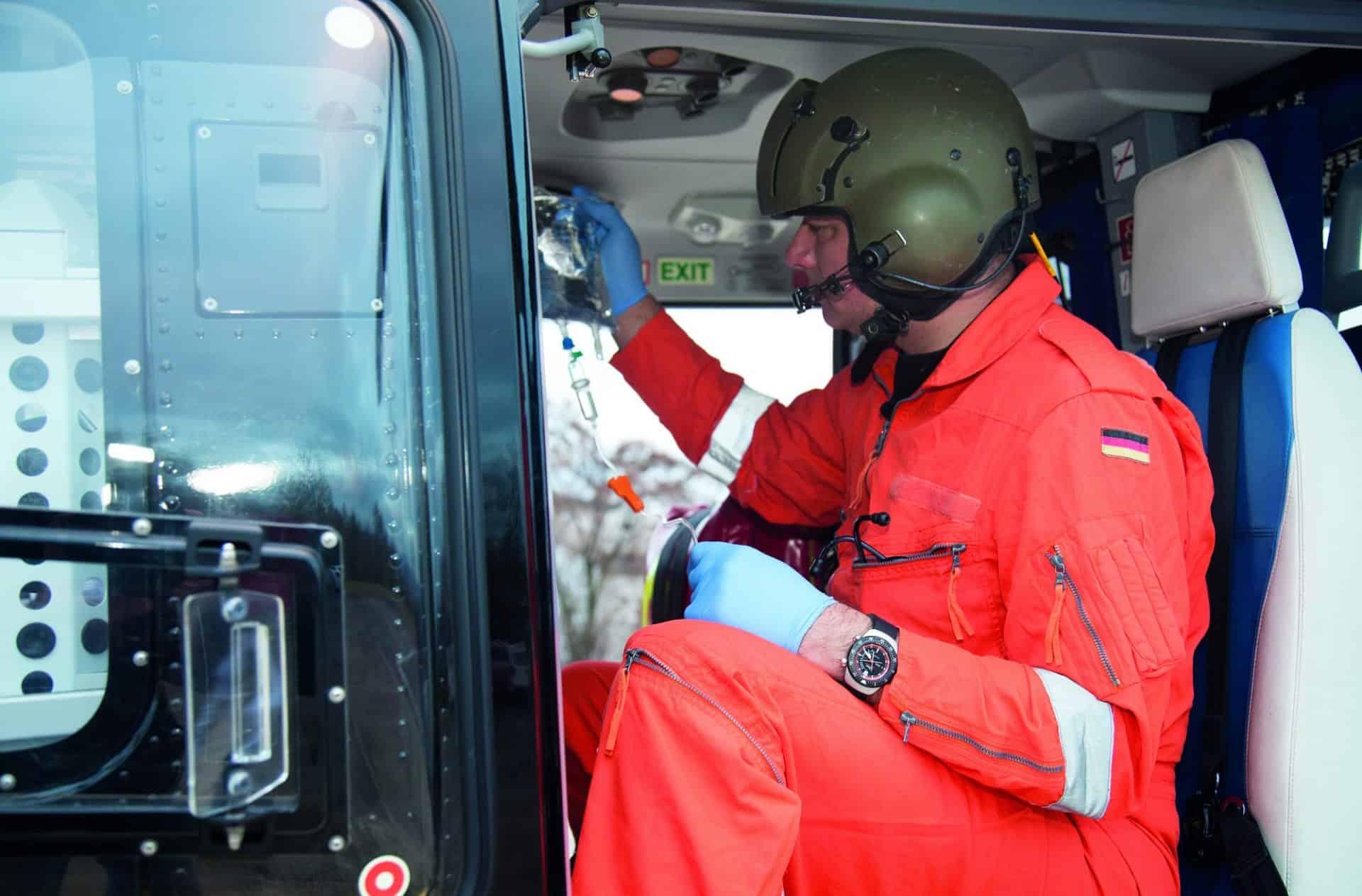Einsatzuhr SINN EZM12 Rettungskräfte