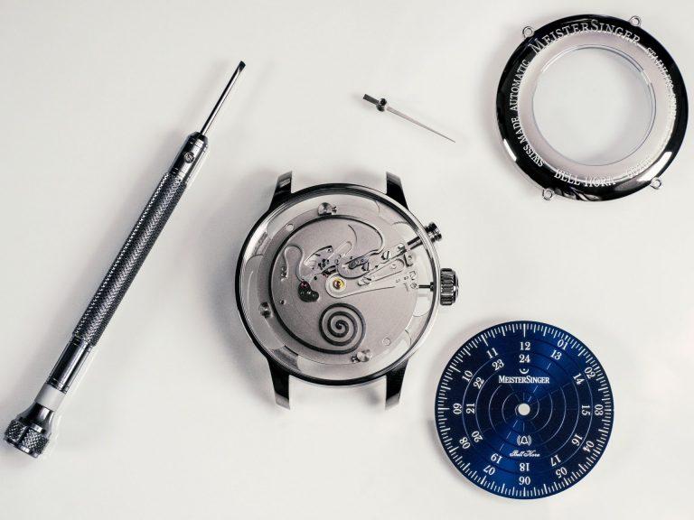 MeisterSinger Bell Hora Mechanik Stundenschlag
