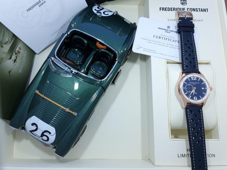 Paket von Uhr und Oldtimer Modell