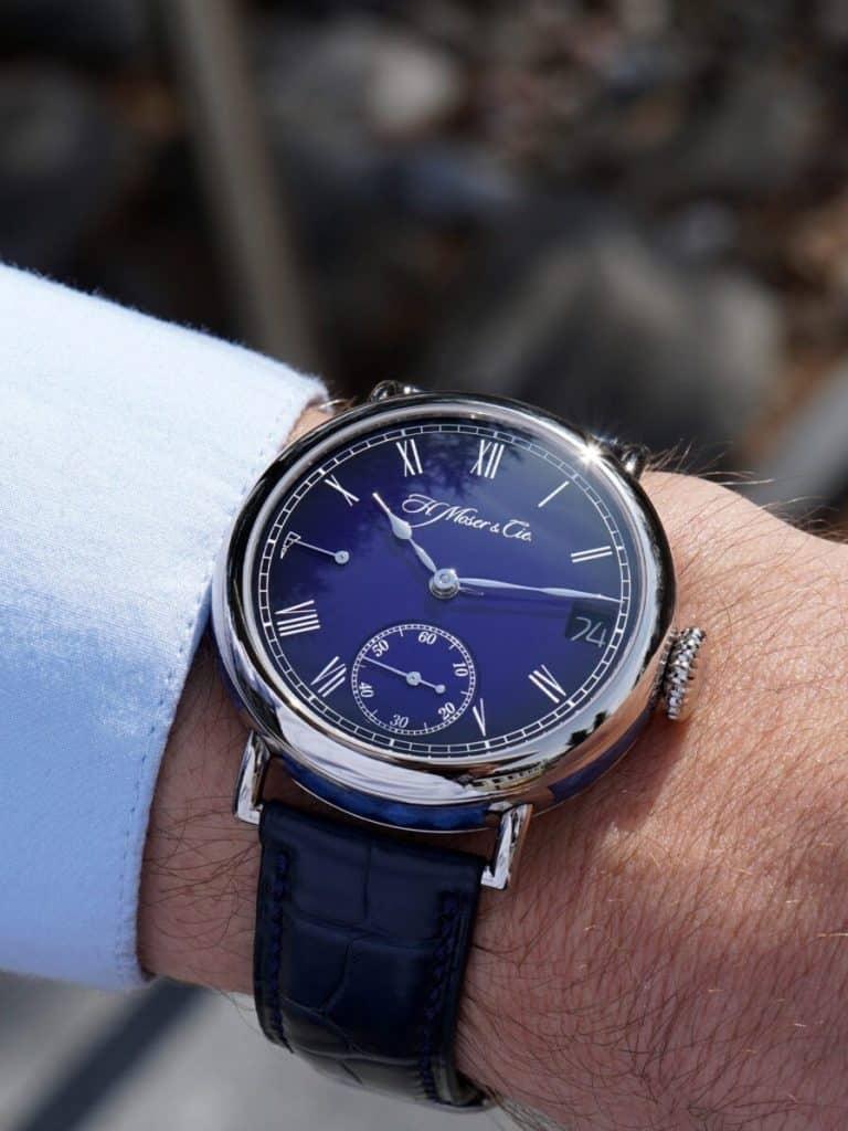 Am Arm getragen H Moser Cie Heritage Perpetual Calendar Midnight Blue Enamel