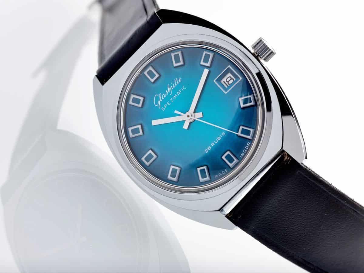 Glashütte Spezimatic Kaliber 755 mit blauem Zifferblatt Bild Glashütter Uhrenmuseum