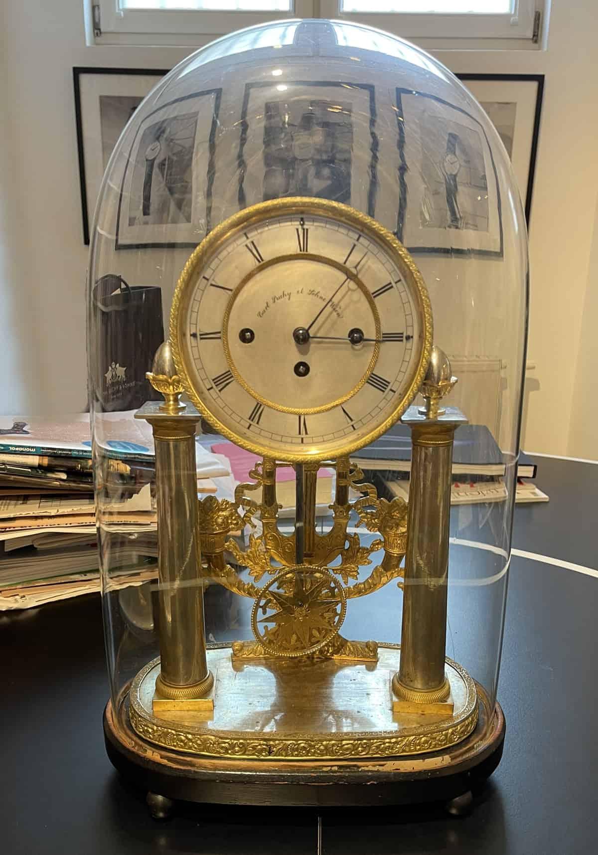 Historische Tischuhr von Carl Suchy & Söhne um 1870