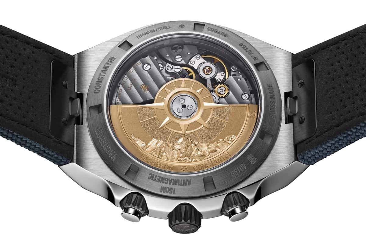 Sichtboden des Vacheron Constantin Overseas Chronograph Everest mit goldgraviertem Rotor